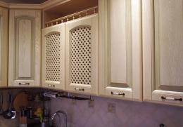 решетки на фасадах для вентиляции посуды